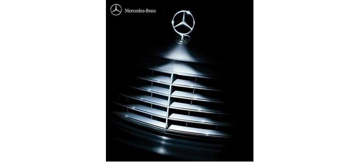 Mercedes Benz Christman Print Ad